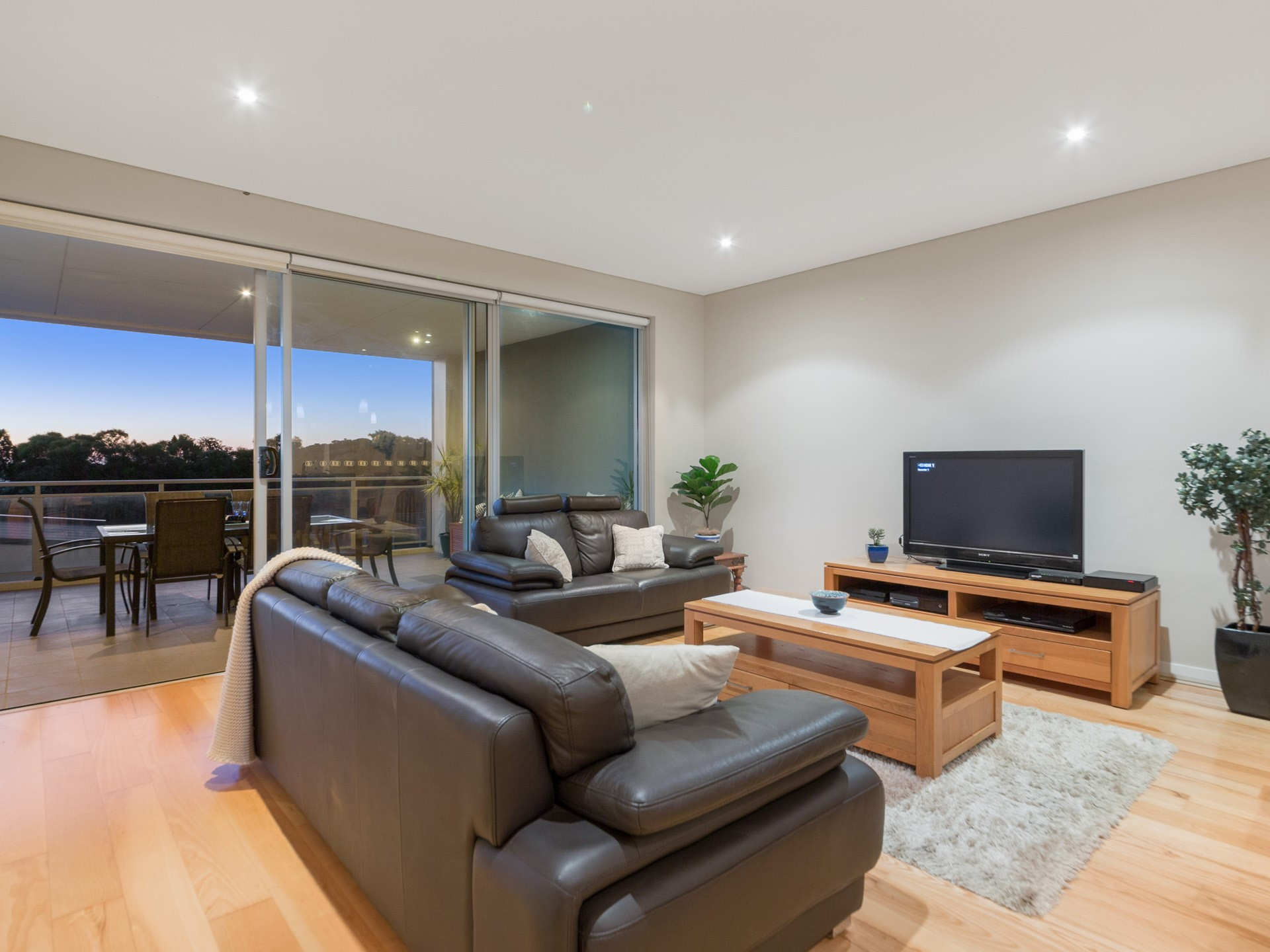 Property for sale in NORTH COOGEE, 2/52 Rollinson Road : Attree Real Estate