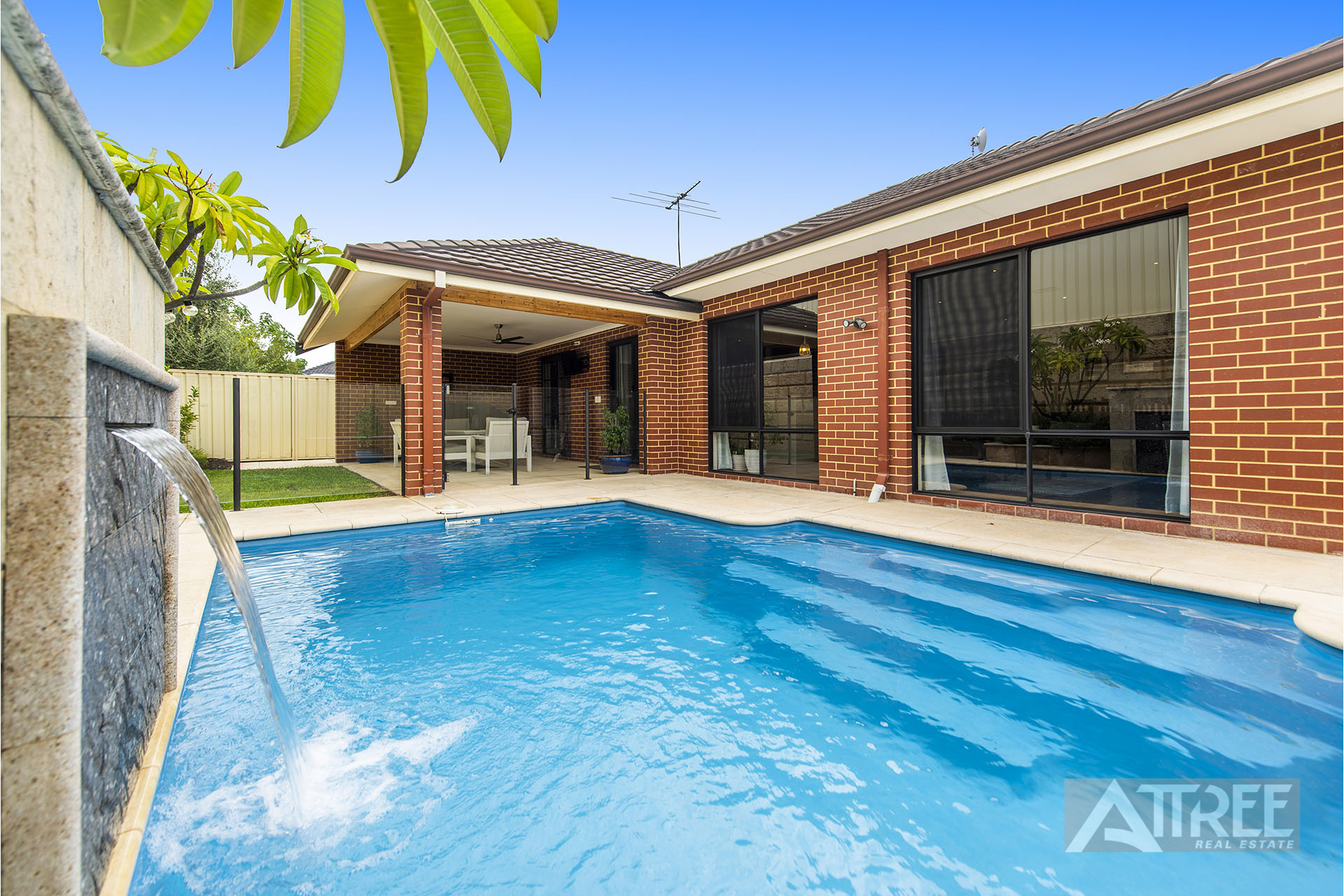 Property for sale in CANNING VALE, 7 Tipperary Bend : Attree Real Estate