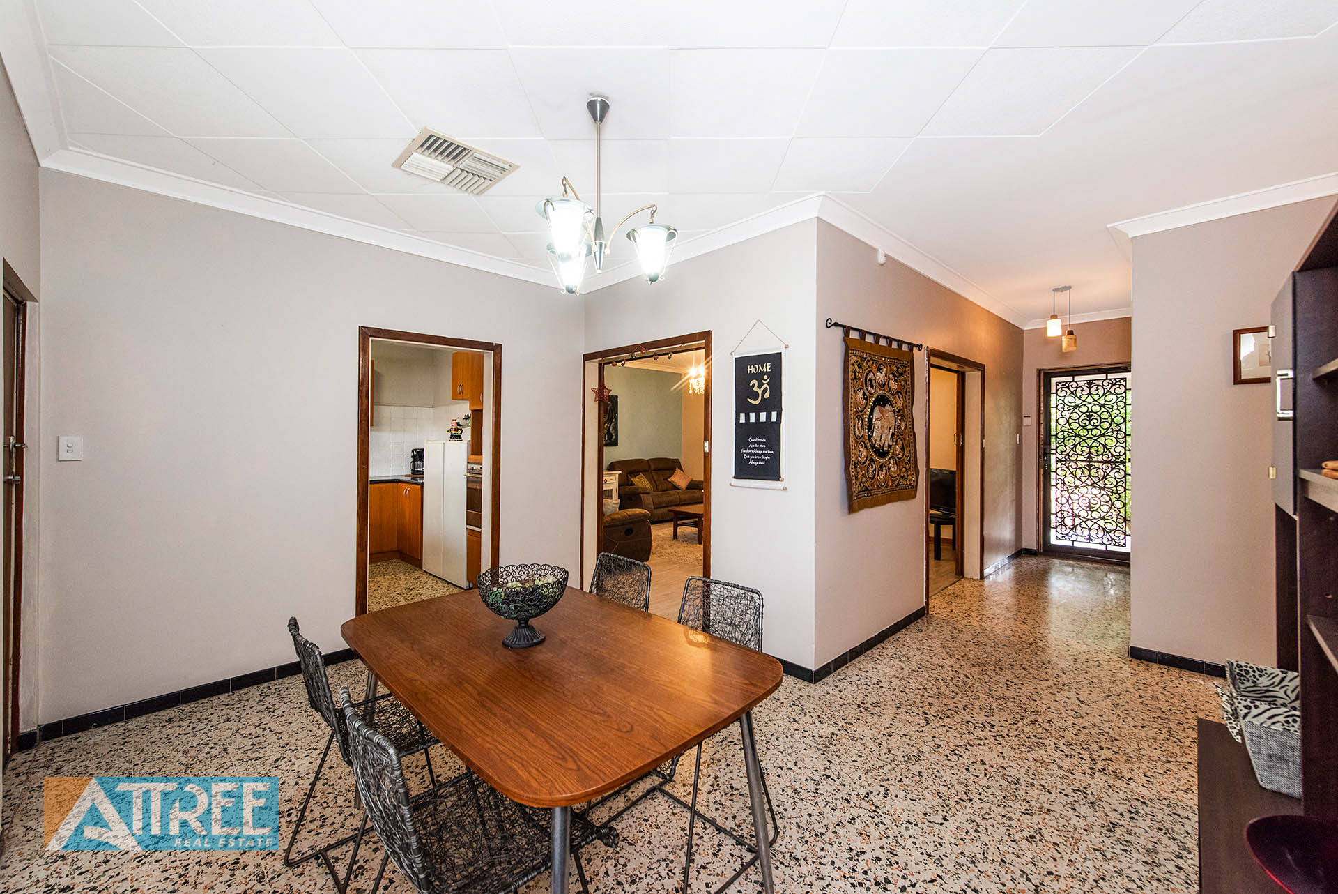 Property for sale in GOSNELLS, 2440 Albany Highway : Attree Real Estate