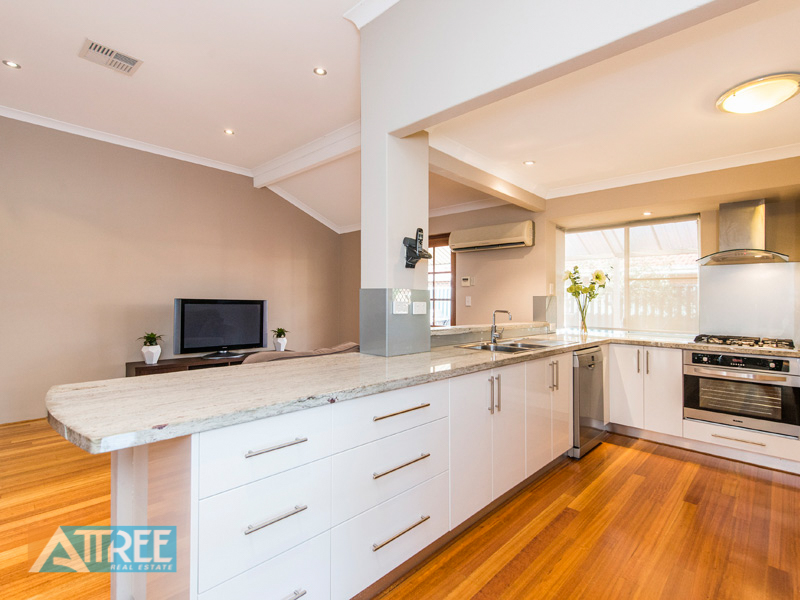 Property for sale in CANNING VALE, 4 Bushlark Rise : Attree Real Estate