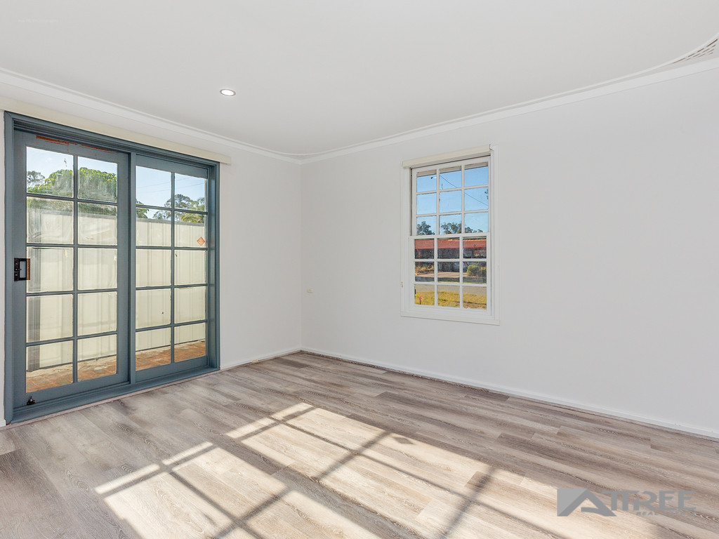 Property for sale in THORNLIE, 21 Camborne Way : Attree Real Estate