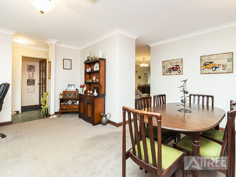 Property for sale in THORNLIE, 31 Chevalier Way : Attree Real Estate