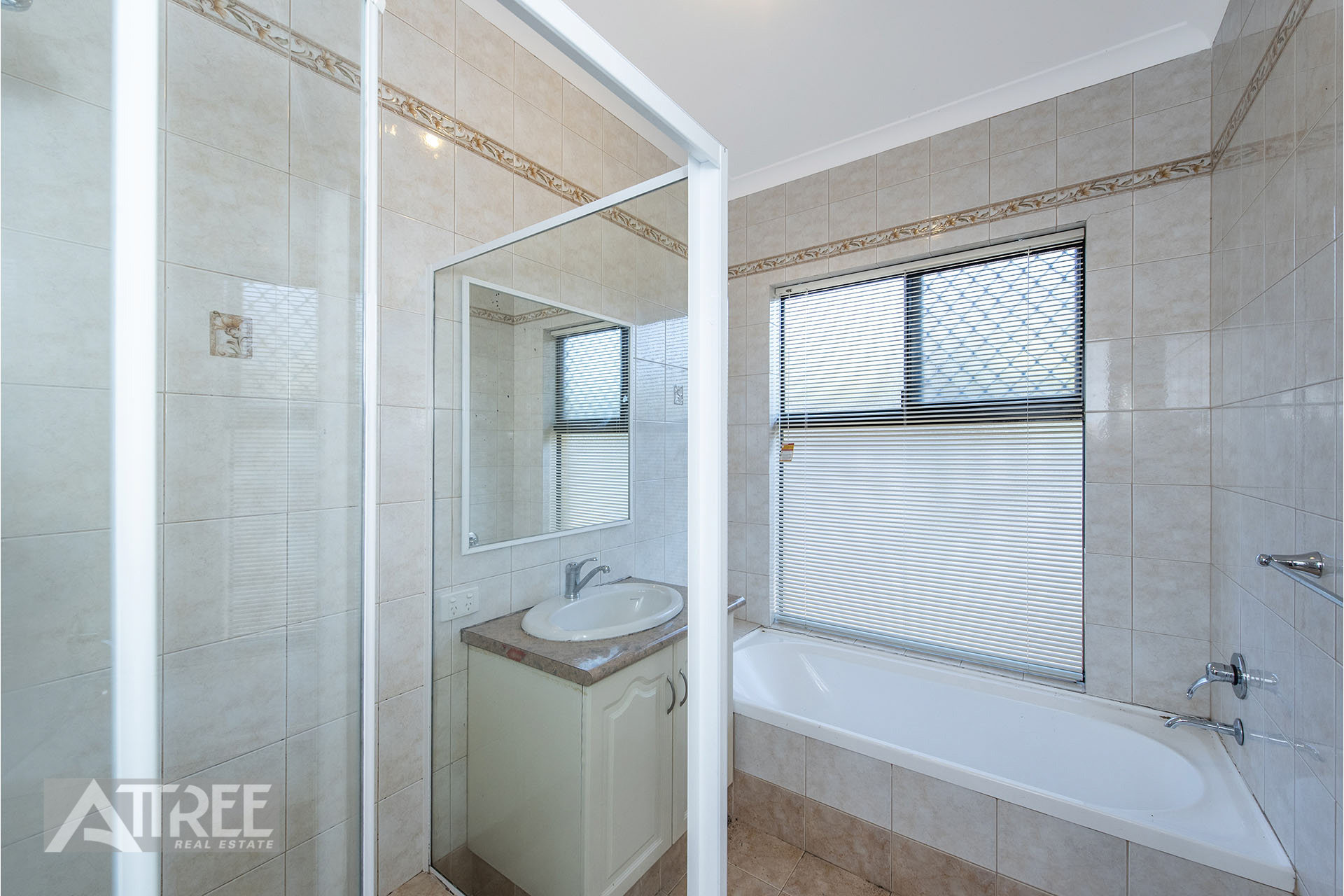 Property for sale in CANNING VALE, 22 Parkland Trail : Attree Real Estate