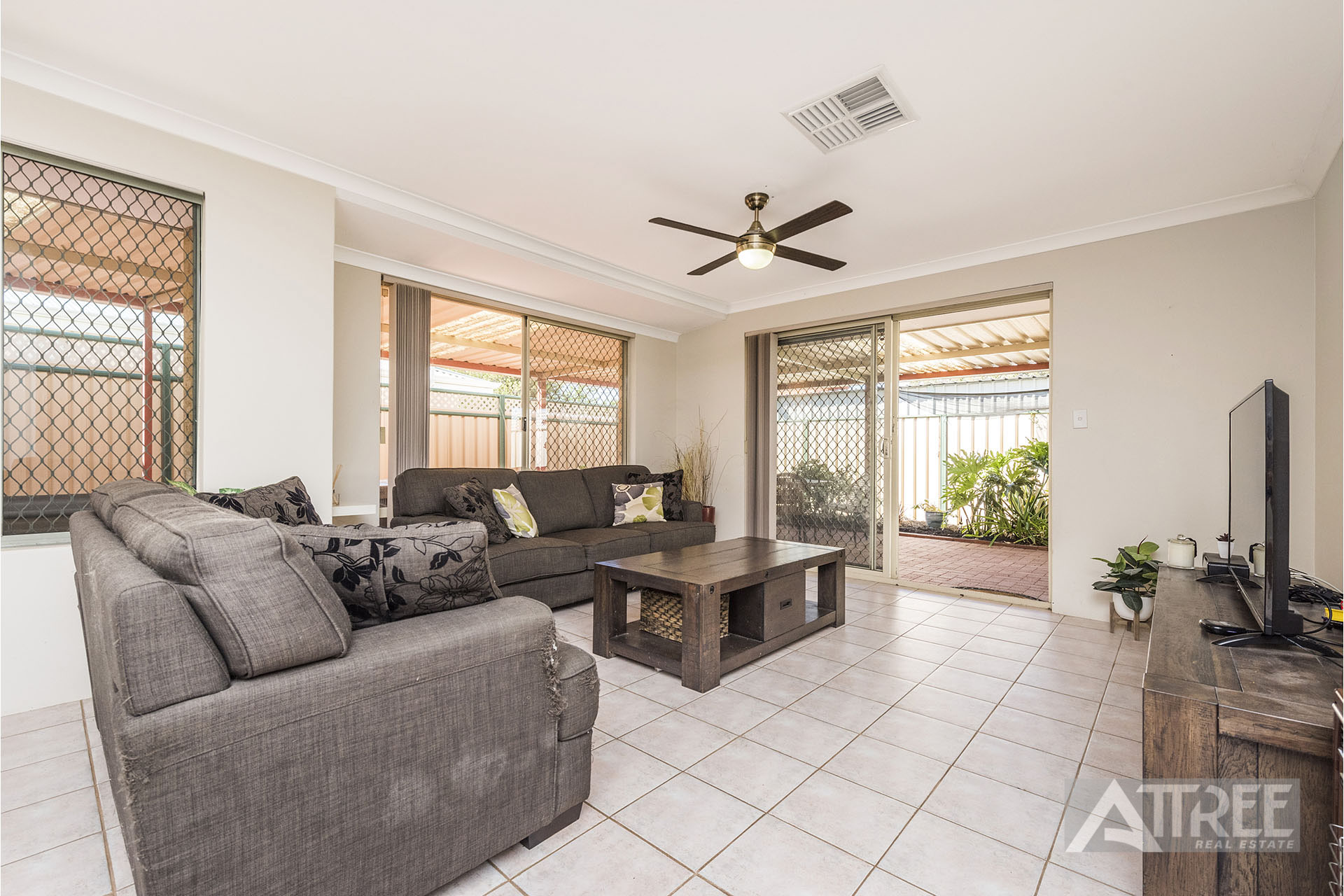 Property for sale in HUNTINGDALE, 38B Firefalls Close : Attree Real Estate