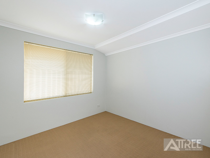 Property for sale in HARRISDALE, 13 Lapwing Approach : Attree Real Estate