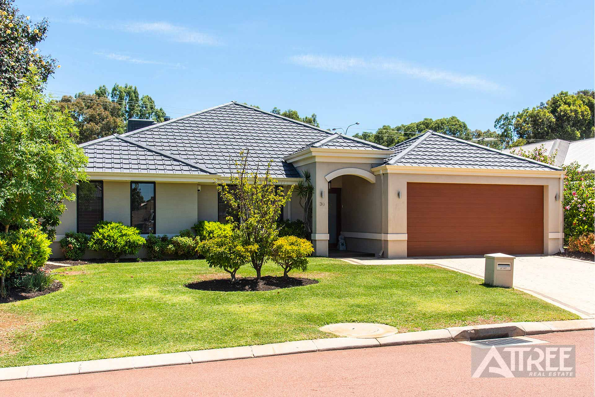 Property for sale in CANNING VALE, 30 Pebble Bush Drive : Attree Real Estate