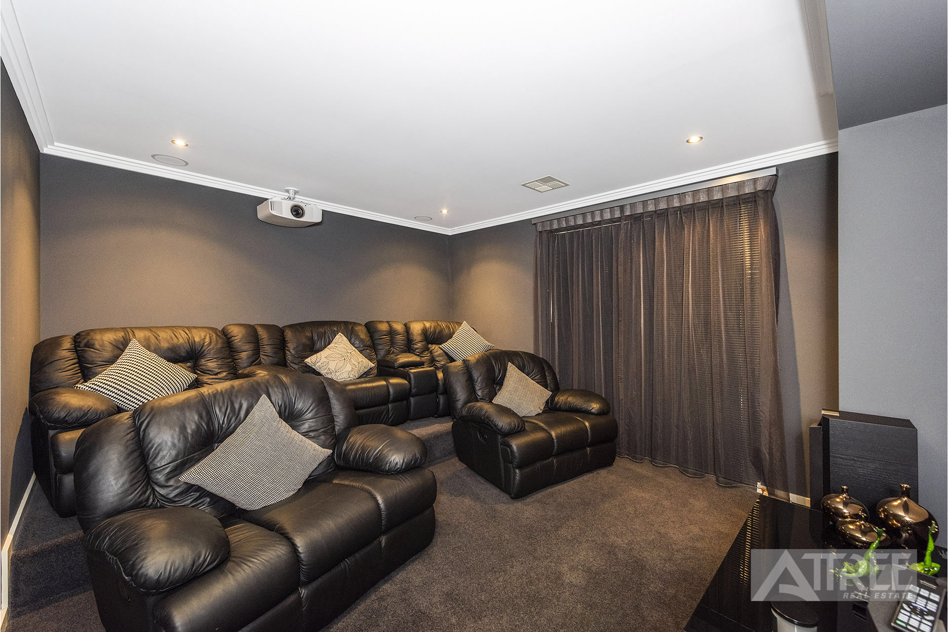 Property for sale in CANNING VALE, 1 Kinsale Parkway : Attree Real Estate