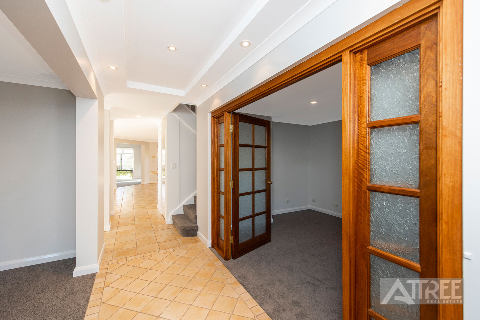 Property for sale in CANNING VALE, 1 Roebuck Avenue : Attree Real Estate