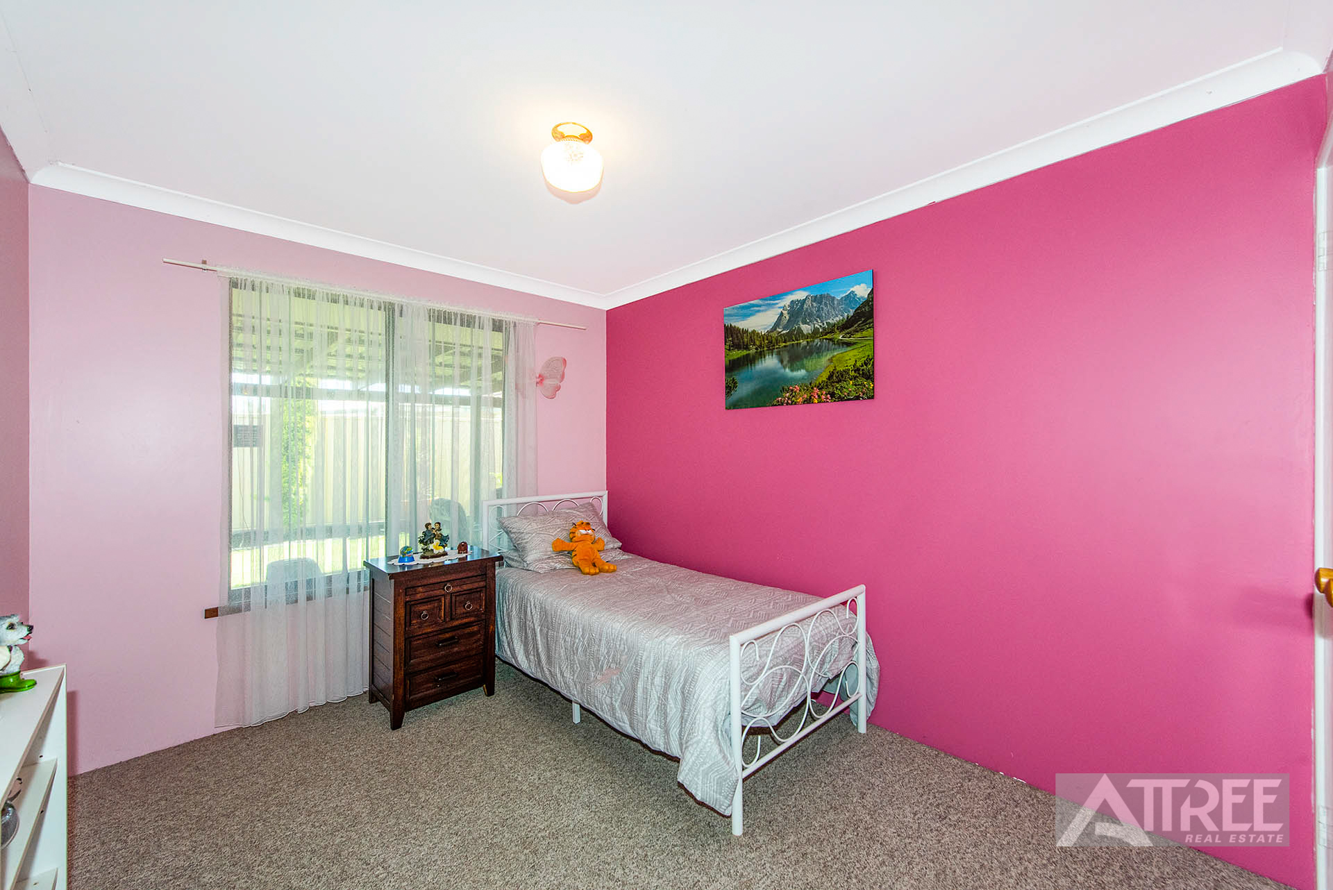 Property for sale in THORNLIE, 10 Voyager Drive : Attree Real Estate