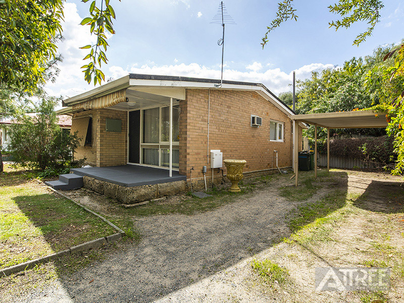 Property for sale in KELMSCOTT, 12 Drayton Court : Attree Real Estate