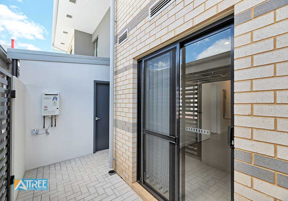 Property for rent in CANNING VALE, 2/1 Glenariff Boulavard : Attree Real Estate