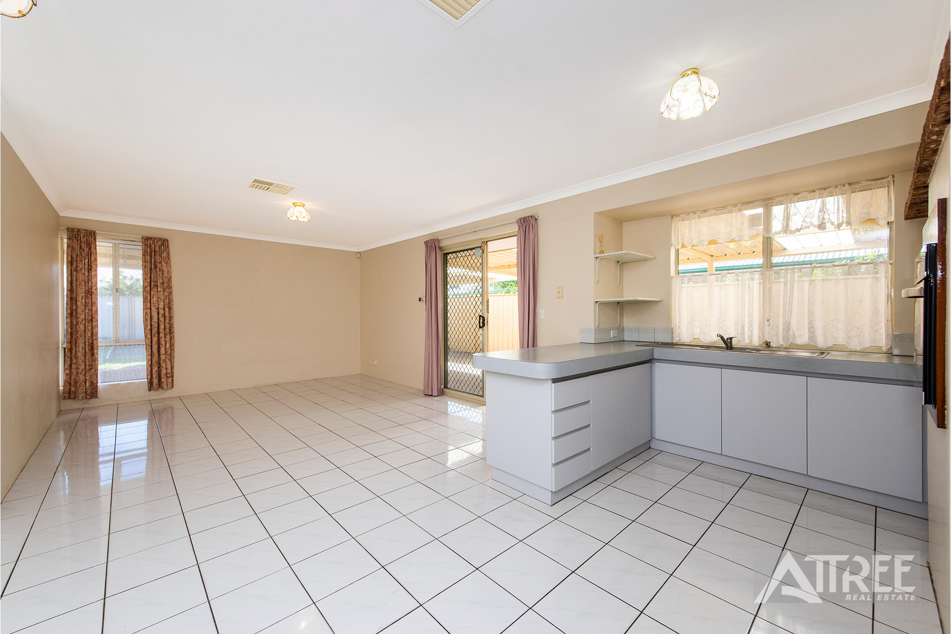 Property for sale in HUNTINGDALE, 33 Baxter Close : Attree Real Estate