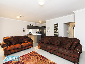 Property for rent in CANNING VALE, 4/11 Carnation Street : Attree Real Estate