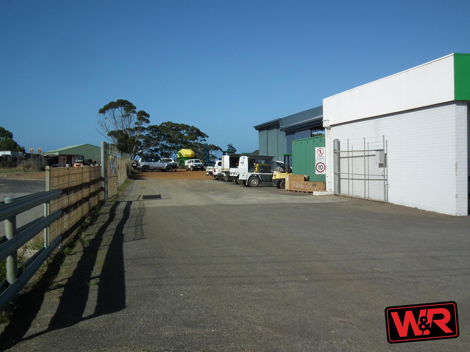 Property comsale in LANGE