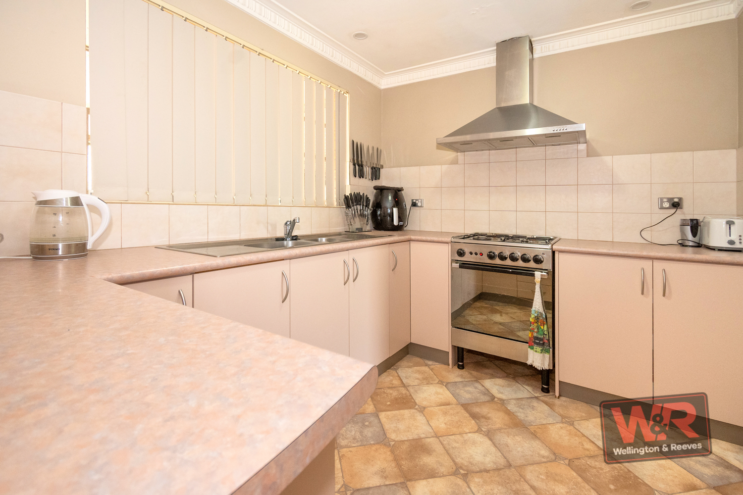 Property ressale in LOWER KING
