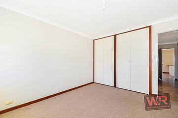 Property resrent in YAKAMIA