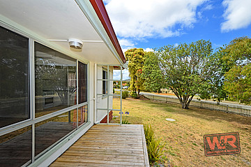 Property ressale in LOCKYER