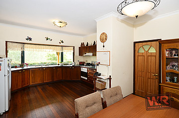 Property ressale in CUTHBERT