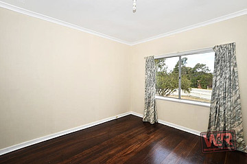 Property resrent in LOCKYER