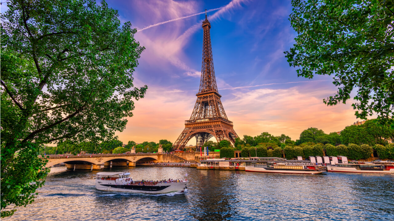 9 Day Affordable Amsterdam, Bruges, Paris & London – Save Up to $160pp