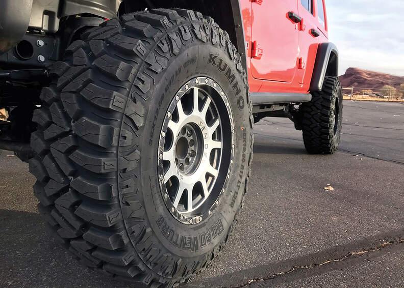 Kumho Road Venture MT71 tyre