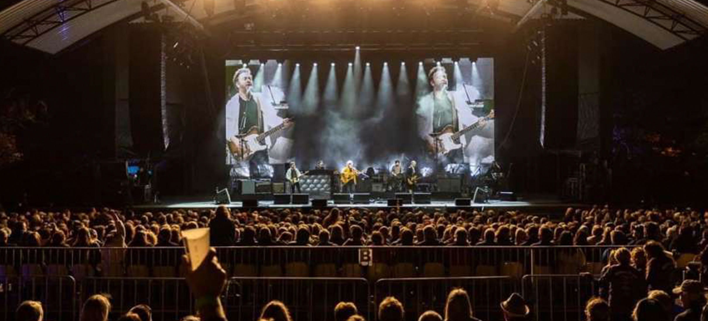Crowded House back on tour with d&b audiotechnik