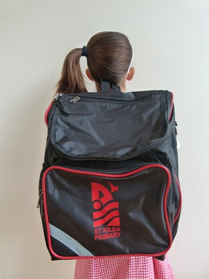 STKD 002 UNOPAK  SCHOOL BAG UN