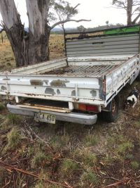 isuzu-ute-paddock-vehicle-trayback