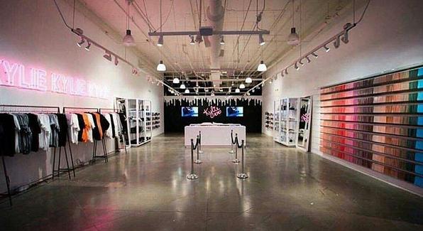 Inside Kylie Jenner S Kylie Cosmetics Pop Up Shop Vogue