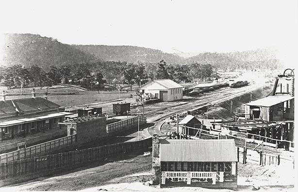 [Eskbank Railway Station (NSW) - showing branch line to old Esbank Colliery]