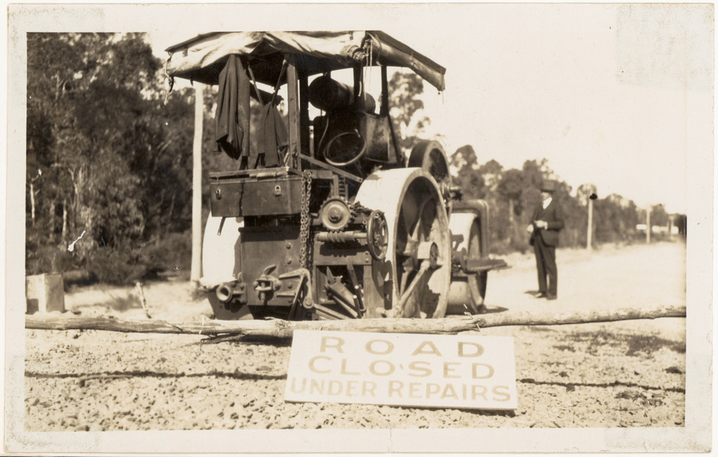 L3 - Princes Highway Clyde Shire - 1926 - Main Roads Board Roller Hired to Council