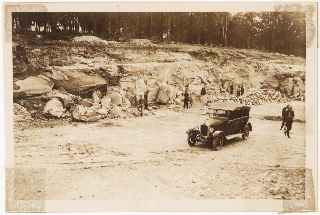 L4 - Quarry near Cattai - stone used for Windsor job.