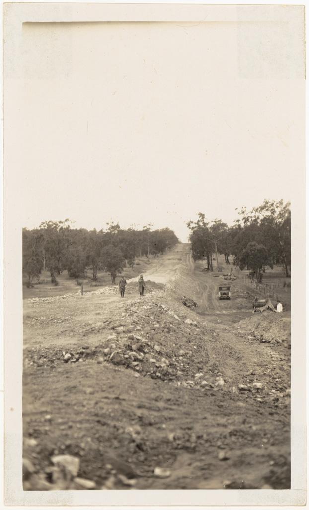 L10 - Main Road 104 -Tarro Shire
