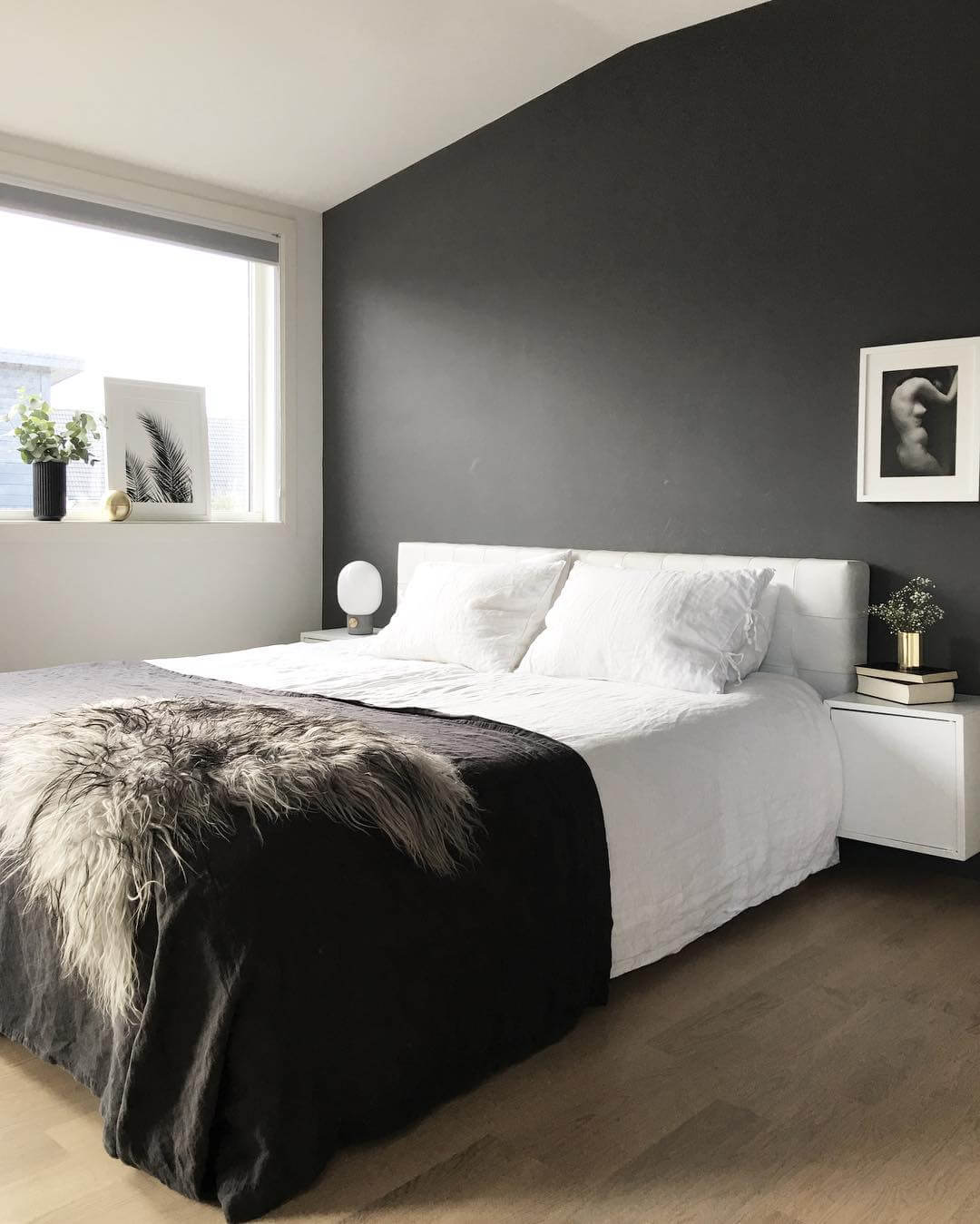 Minimalist bedroom interior design via palettenoir