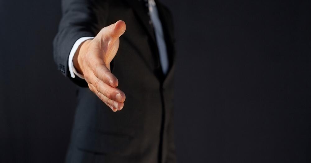 First impressions - handshake