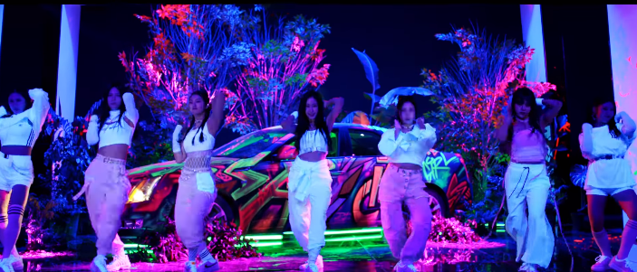 CIGNATURE comeback with a funky vibrant neon MV for 'Assa'! ⋆ The ...