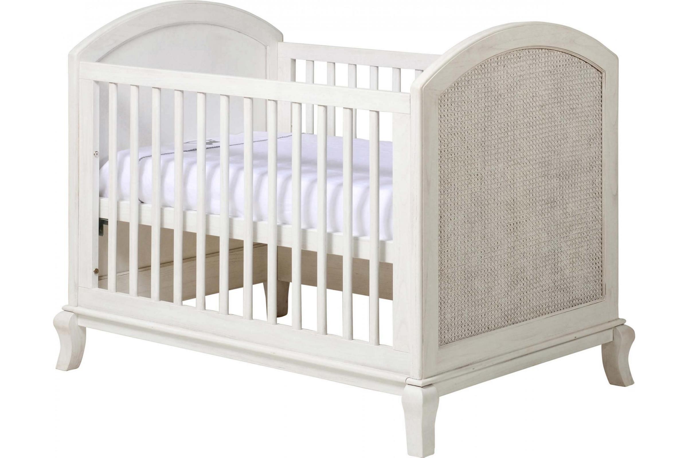 Baby cot 38