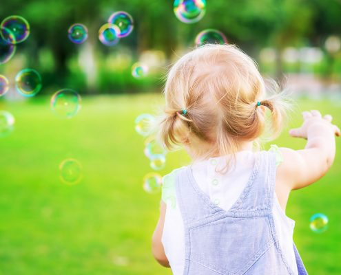Cheap fun for babies: Simple ways to make your child's day