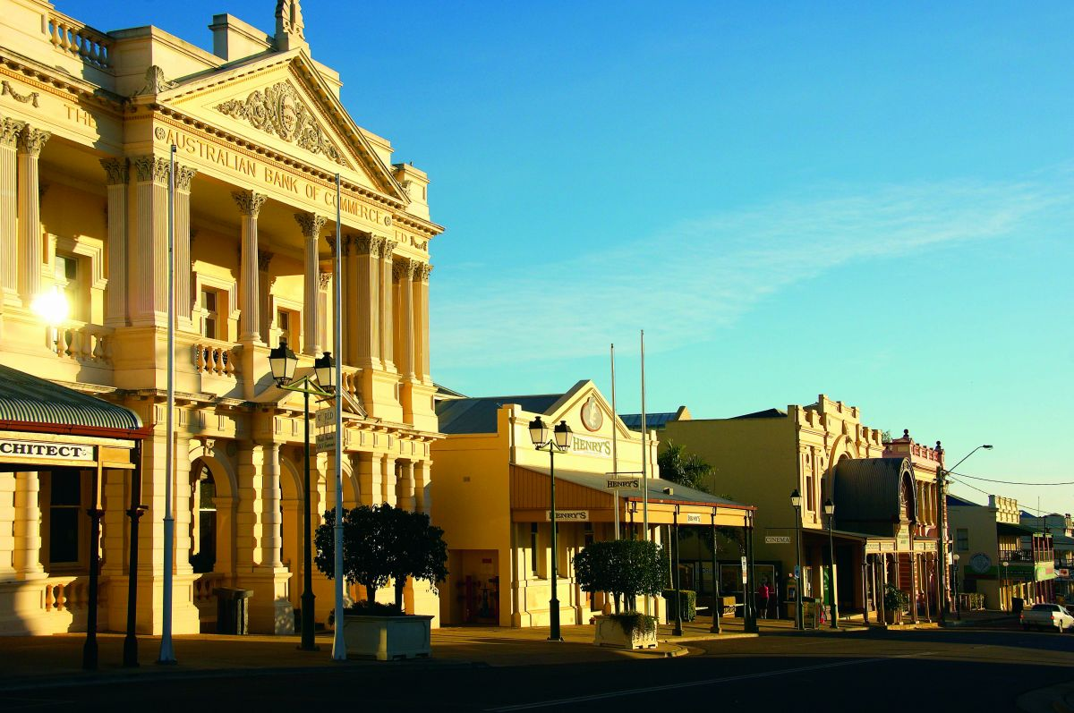 Historical buildings, Charters Towers
