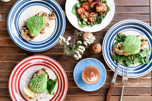 Early Bird Cafe on Magnetic Island by @elsas_wholesomelife