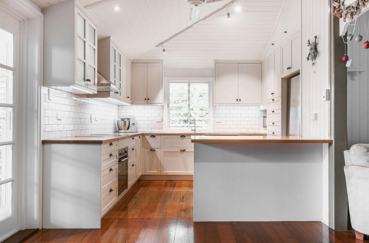 Tasmanian Oak Kitchen