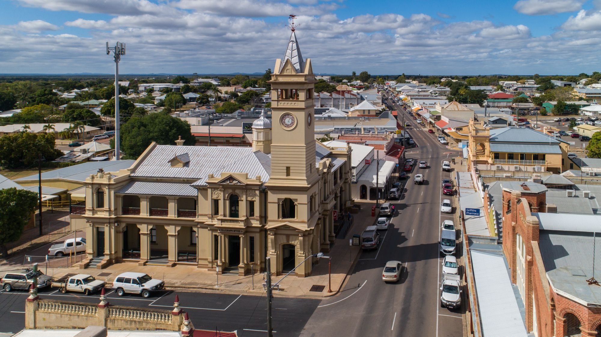 PUNQ Tour: Charters Towers Art, Gold and History