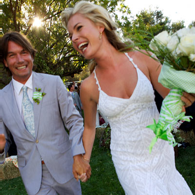 19 Rebecca Romijn and Jerry OConnell Surprise Wedding