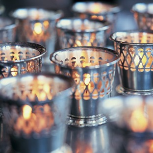 candles 4 Tips To Keep Warm At Your Winter Wedding
