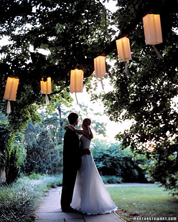 a99617 fal02 hanging xl A Decorated Wedding Candles