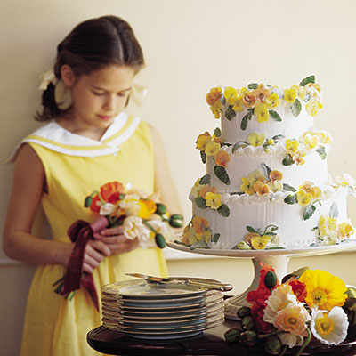 Pansy Wedding Cake from Southern Living Pick up the various purple and