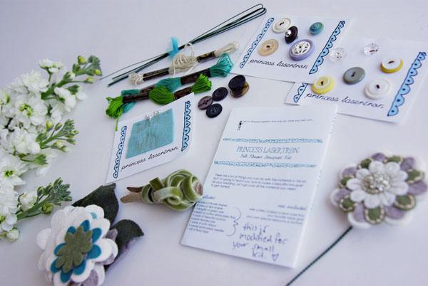 princess-lasertron-bouquet-kit-001