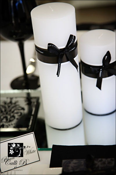 bold black and white tablescape0012 Bold Black & White Tablescape