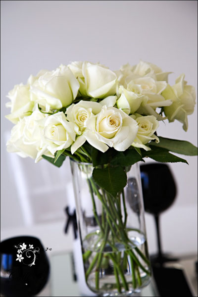 bold black and white tablescape003 Bold Black & White Tablescape