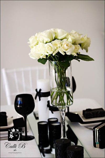 bold black and white tablescape0051 Bold Black & White Tablescape
